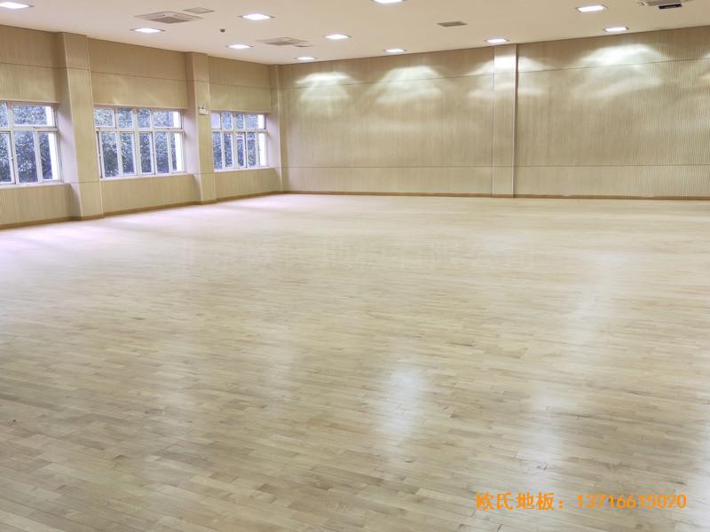 上海丰庄西路绿地小学舞台体育地板铺设案例3