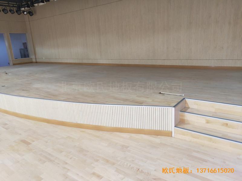上海丰庄西路绿地小学舞台体育地板铺设案例4