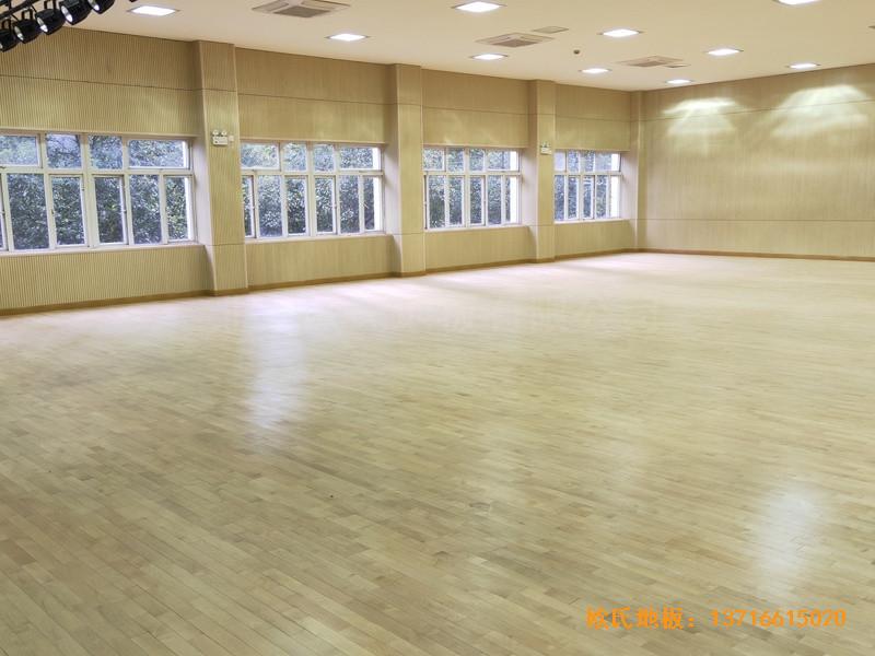 上海丰庄西路绿地小学舞台体育地板铺设案例5