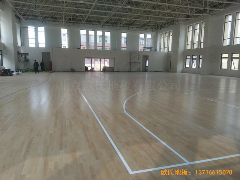山东济南唐冶城篮球馆运动木地板铺装案例0
