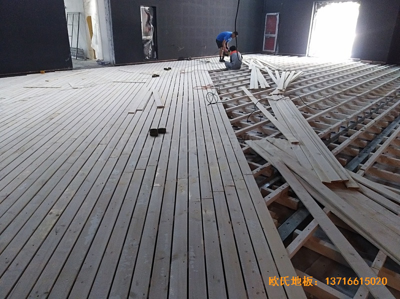 河北廊坊益田同文学校舞台体育木地板施工案例1