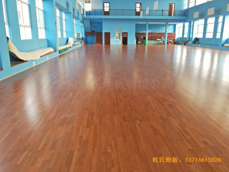 云南公安局小区羽毛球馆运动木地板安装案例2
