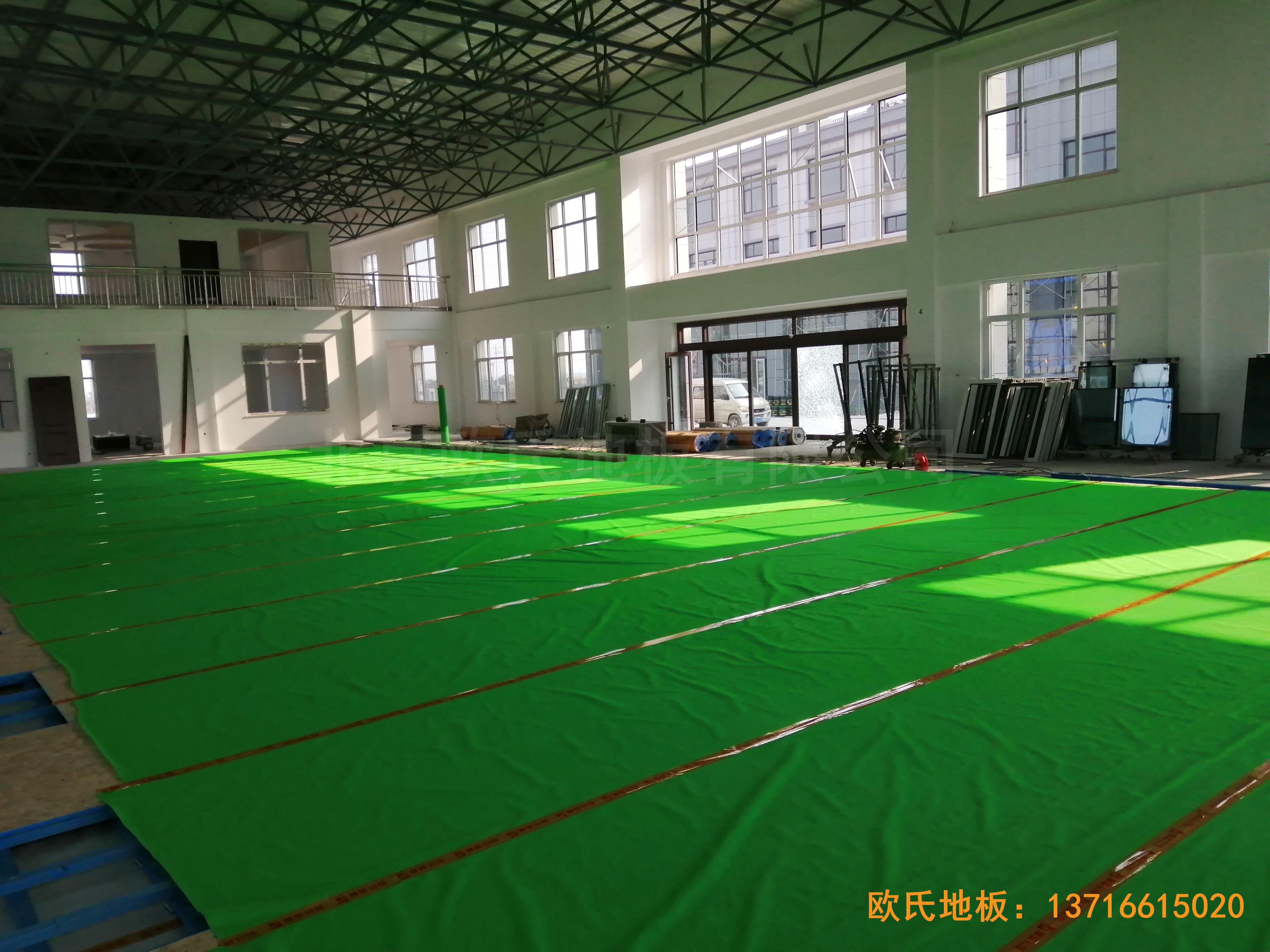 莱州银海工业园消防特训队篮球馆体育木地板铺装案例3