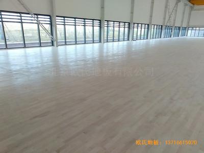 武汉青山区江滩体育馆体育地板施工案例